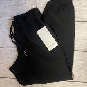 """NWT LULULEMON  JOGGER  BLACK On the Fly Jogger 28""""  WOVEN TRAVEL friendly 6 8"""